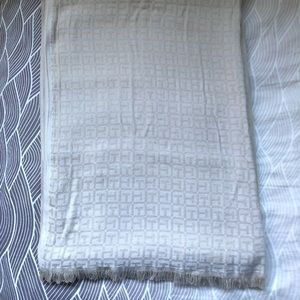 Authentic Tory Burch Soft Signature Scarf Wrap.